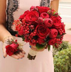 Buchet de Mireasa. Trandafiri grena. Mini by JuliasRoseShop Bouquets, Floral Wreath, Wreaths, Weddings, Trending Outfits, Unique Jewelry, Handmade Gifts, Red, Etsy