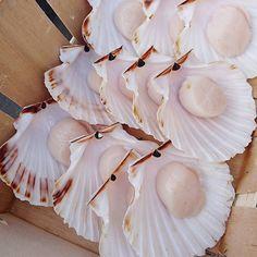 """Des cendriers """"old school""""  disponible en fin de service au comptoir..... #menubistronomique #noixdesaintjaques #seafood #produitfrais #Normandie #Food #Foodista #PornFood #Cuisine #Yummy #Cooking"""