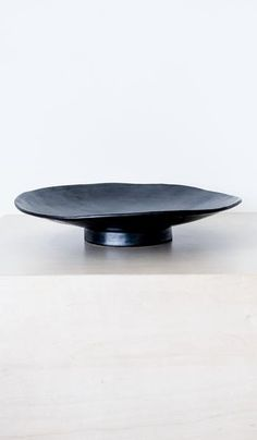 Len Carella Round Pedestal Platter: Black
