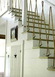 Escada montada com cunhos de barco