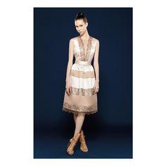 """""""Nosso vestido patchwork com aplicações de renda francesa """"é luxo só"""". #lookbook #fashion #style #ootd #ootn #glam #glamour #musthave #verao16 #patchwork…"""""""