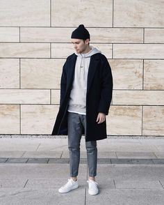 Simple Street Style, Minimalist Street Style, Minimalist Outfits, Stylish Men, Men Casual, Casual Wear, Look Man, Herren Outfit, Mens Fashion Suits