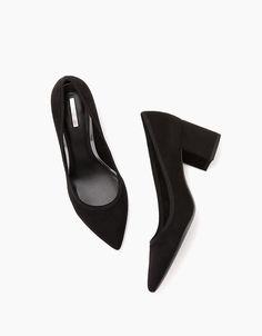Mid-heel shoes with pointed toe - Heels - Bershka Ukraine Your Shoes, New Shoes, Mid Heel Shoes, Heels, Woo Girl, Zara, Heeled Mules, Shoe Boots, Footwear