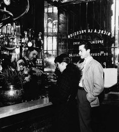 Willy Ronis - Brasserie, Paris (1940s)