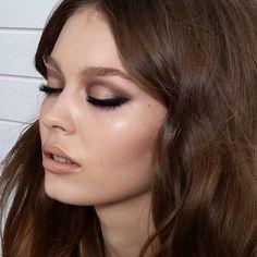 "3,981 Likes, 44 Comments - Natasha Denona (@natashadenona) on Instagram: ""Bts of a shoot for one of my looks last year. #nophotoshop #noretouch #NatashaDenona #makeup #mua…"""
