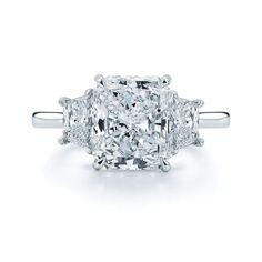 Diamond Engagement Rings Radiant Diamond Engagement Ring Setting with Trapezoids Platinum Engagement Rings, Engagement Ring Styles, Engagement Ring Settings, Luxury Engagement Rings, Platinum Ring, Halo Engagement, Ring Verlobung, Hand Ring, White Gold Diamonds