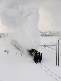 "Ban'etsu West Line,Fukushima,Japan|500px / Photo ""Winter SL"" by taisuke matuno"