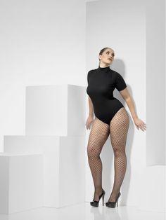 Mustat+verkkosukkahousut++. Pluskoon sukkahousut sopivat muodokkaammillekin hulluttelijoille. Näissä sukkahousuissa muodot eivät aseita rajoituksia tyylille!