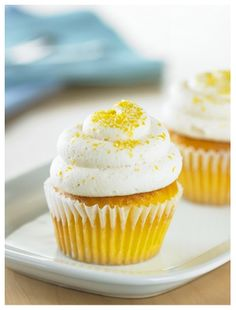 The pretty topping of golden pineapple with a red cherry is great for cupcakes! These cupcakes are made with pineapple cake mix, crushed pineapple, and brown sugar. Lemon Cupcakes, Fun Cupcakes, Cupcake Cakes, Lavender Cupcakes, Whipped Cream Icing, Lemon Buttercream Frosting, Cupcake Toppings, Cupcake Recipes, Lemon Cream Pies
