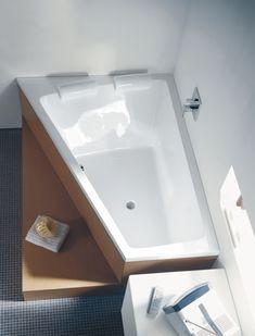 Duravit Bathroom design series: Paiova bath tubs and bath room furniture fro Family Bathroom, Modern Bathroom, Master Bathroom, Bathroom Bath, Two Person Bathtub, Bath Tub For Two, Corner Soaking Tub, Japanese Bath, Dream Bath