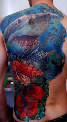 Wow, that is an awesome underwater tattoo Hai Tattoos, Tatuajes Tattoos, Body Art Tattoos, Fish Tattoos, Tatoos, Shell Tattoos, Color Tattoos, Backpiece Tattoo, Tattoo Henna