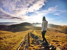 Is Scotland already on your bucket list?  This country is for the Brave-hearted (haha get it?!) With buzzing cities to conquer & an abundance of sweeping countryside Scotland should not be overlooked by anyone looking for an adventure  @jenjustliving