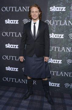 Image from http://www2.pictures.zimbio.com/gi/Sam+Heughan+Starz+Series+Outlander+Premiere+pIr2y5c-zvGl.jpg.