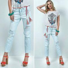 Morrendo de amor por essa calça destroyed da Ilícito 💙💙💙 #trend #jeans #calçadestroyed . . ✅ Vem conhecer nossa coleção de verão, você vai amar! ✅ Se preferir entre em contato pelo whatsapp,  que teremos muita satisfação em atendê-los. ✅ Enviamos para todo o Brasil com rastreio do Correios para você acompanhar o seu pedido. . ✔ whatsapp 31 99686 - 8581. 🤔 Dúvidas comente aqui 👇