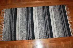 Trasmatta - Fylke (grå) Rug Making, Crochet, Weaving, Rag Rugs, Fabric, How To Make, Pattern, Crafts, Cotton Rugs