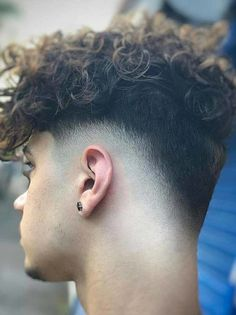 Discover the beauty of mens haircuts by visiting this link. Here we have collected best styles of short curly haircuts and hairstyles for men according to modern era. Pick up here the year's best styles of short curly haircuts for men to create right now. Undercut Curly Hair, Curly Hair Men, Undercut Hairstyles, Cool Hairstyles, Thick Hair, Men Hair, Men Undercut, Beautiful Hairstyles, Men's Hairstyles