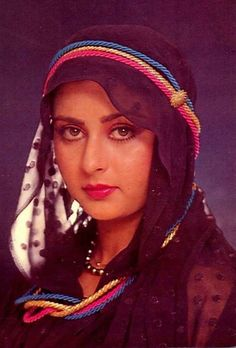 Beautiful Bollywood Actress, Most Beautiful Indian Actress, Beautiful Actresses, Hot Actresses, Indian Actresses, Poonam Dhillon, Kareena Kapoor Pics, Beautiful Heroine, Bollywood Pictures