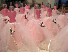 Centro de mesa para quince años con botellas