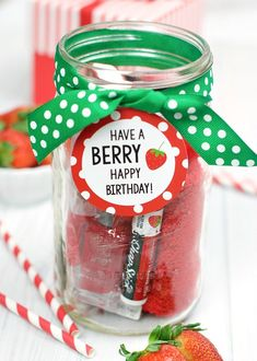 Have a BERRY Happy Birthday Gift Idea for Friends. This gift is so cute and easy. This is the perfect way to wish someone you love a happy birthday. Coworker Birthday Gifts, Creative Birthday Gifts, Happy Birthday Gifts, Diy Birthday, Birthday Presents, Creative Gifts, Birthday Ideas, Women Birthday Gifts, Happy Birthday Teacher