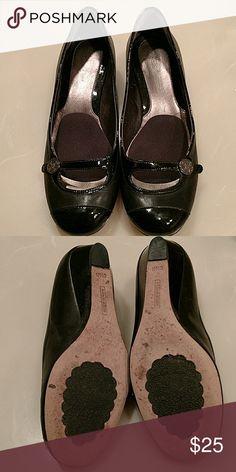 Cole Hann Nike Air Black slight heel flats. 6.5 b Cole Haan Shoes