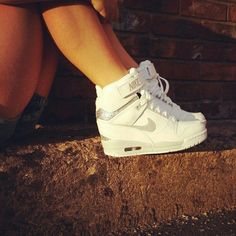 reputable site 7368c 98ba0 Urban Fashion Nike White Nikes, Nike Dunks, Buy Shoes, Me Too Shoes,