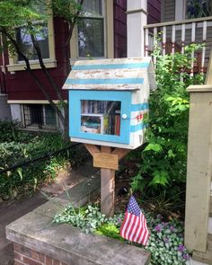 A Chicago flag themed little Library in of all places...Chicago! Who can't resist taking pics of these when they are traveling?  #travel #travelblog #traveladdict #travelblogger #travelling #travel the world #igtravel #travelingram #travelpics #traveler #travellife #travelbug #travelphoto #globetrotter #mytravelgram #traveldiaries #instapassport #instatraveling #travels #worldtraveler #ilovetravel #seetheworld #traveldeeper #tourist #tourism #passportready #instatravelling #instavacation…