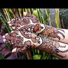 Designer look#for#brides#cousins#loveformhndi..call on 9773616597 for upcoming season Bridal Mehndi Designs, Henna Designs, Mehndi Desighn, Mehndi Design Pictures, Front Design, Mehendi, Cousins, Brides, Finger