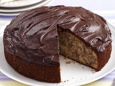 thermomix chocolate icing, here are the two thermomix recipes to make a chocolate topping and decorate your cakes by Chocolate Caramel Slice, Chocolate Topping, Chocolate Caramels, Chocolate Icing Recipes, Chocolate Frosting, Chocolate Cake, Apple Tea Cake, Cupcakes, Classic Desserts