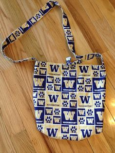 University of Washington Huskies  NCAA  Purse side by KutieStuff, $16.00
