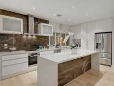 Frosted glass in a kitchen design from an Australian home - Kitchen Photo 7983561