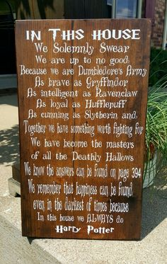 you a Harry Potter fan, or know someone who is? This is the perfect signage for the Harry Potter fan. Perfect for any room in the house! Harry Potter World, Deco Noel Harry Potter, Magie Harry Potter, Harry Potter Bedroom, Mundo Harry Potter, Harry Potter Decor, Harry Potter Christmas, Harry Potter Birthday, Harry Potter Quotes