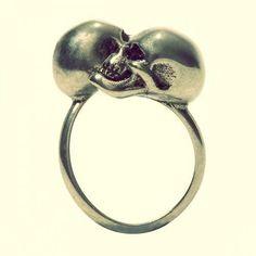 skull engagment rings | Nangise: Buy diamond skull wedding ring #skullweddingrings