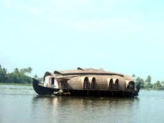 boat on the water | Living On The Water: House-Boats