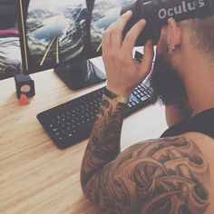 An awesome Virtual Reality pic! #oculus #virtualreality #tatoo #beard #bearded #gaming #vscocam #vsco #gdynia by lubielososia check us out: http://bit.ly/1KyLetq