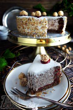 Cremige Nusstorte mit Schokolade und Preiselbeeren - Zungenzirkus