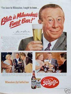 Vintage Magazine ad for Blatz Beer featuring Bert Lahr ca Retro Advertising, Vintage Advertisements, Vintage Ads, Vintage Posters, Celebrity Advertising, Product Advertising, Milwaukee Beer, Milwaukee Wisconsin, Bert Lahr