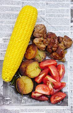 Stewed pork with vinegar & salt potatoes and fresh corn