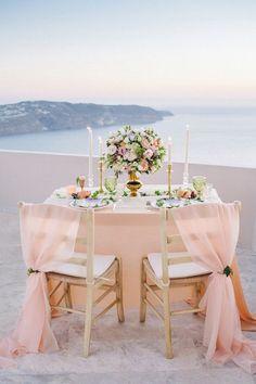 Romantic elopement inspiration in Santorini, Greece. Romantic Dinner Tables, Romantic Dinner Setting, Romantic Dinners, Wedding Photo Table, Blush Rosa, Beach Dinner, Honeymoon Inspiration, Wedding Destination, Wedding Planner