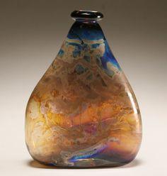 Kent F. Ipsen American studio art glass vase.