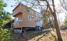 A wheely small house: Alek Lisefski's 8'x20' eco-friendly home on wheels - Telegraph