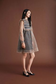 Orla Kiely - Resort 2018 Orla Kiely Resort 2018 Fashion Show Collection See the complete Orla Kiely Resort 2018 collection. Couture Fashion, Runway Fashion, Spring Fashion, Womens Fashion, Fashion Trends, Fashion 2018, High Fashion, Fashion Outfits, Stylish Outfits