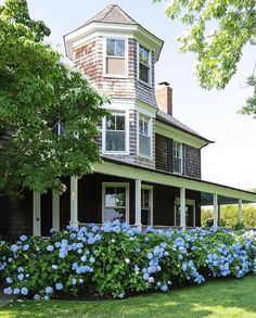 #hydrangeas hashtag on Instagram • Photos and Videos Carriage House, Front Porch, Photo And Video, Mansions, Hydrangeas, House Styles, Amy, Gardening, Instagram