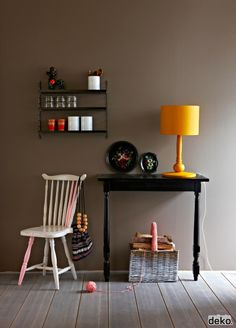 DIY: DONT GIVE UP ON YOUR OLD FURNITURE