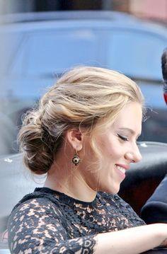 Marvel Girls, Scarlett Johansson, Pearl Earrings, Pearls, Jewelry, Fashion, Moda, Pearl Studs, Jewlery