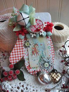Use for album cover Christmas Craft Fair, Christmas Paper Crafts, Christmas Ornaments To Make, Homemade Christmas Gifts, Christmas Love, Christmas Projects, Handmade Christmas, Holiday Crafts, Vintage Christmas