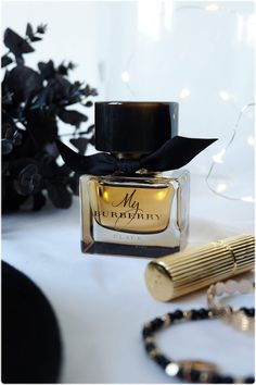 My Burberry Black - le parfum oriental floral Burberry in 2020 Black Perfume, Lovely Perfume, Kardashian Kollection, My Burberry Perfume, Hermes Parfum, Vanilla Perfume, Dolce E Gabbana, Holiday Mood, Perfume Collection