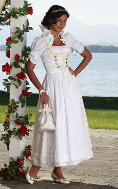 Hochzeitsdirndl - Chiemseer Dirndl & Tracht / Traditional Bavarian (Southern German) Wedding Dress