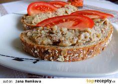 """Falešná """"škvarková"""" pomazánka z pohanky recept - TopRecepty.cz Salmon Burgers, Baked Potato, French Toast, Potatoes, Baking, Breakfast, Ethnic Recipes, Desserts, Food"""