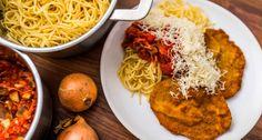 Milánói sertésborda recept: Ez a Milánói sertésborda recept egy igazi klasszikus, amivel jóllakhat az egész család! Kiadós, klasszikus fogás! Próbáld ki Te is ezt a Milánói sertésborda receptet! Pasta Milano, Hungarian Recipes, Comfort Food, Chana Masala, Spaghetti, Dinner Recipes, Paleo, Cooking, Ethnic Recipes