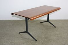 Friso Kramer coffee table ..... almost seems to float